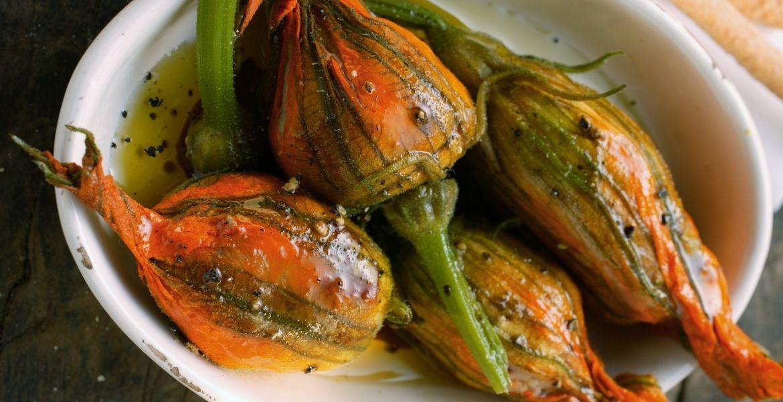 Gefüllte Zucchiniblüten vom Pelion ► Zucchinireezept | GREEKCUISINEmagazine