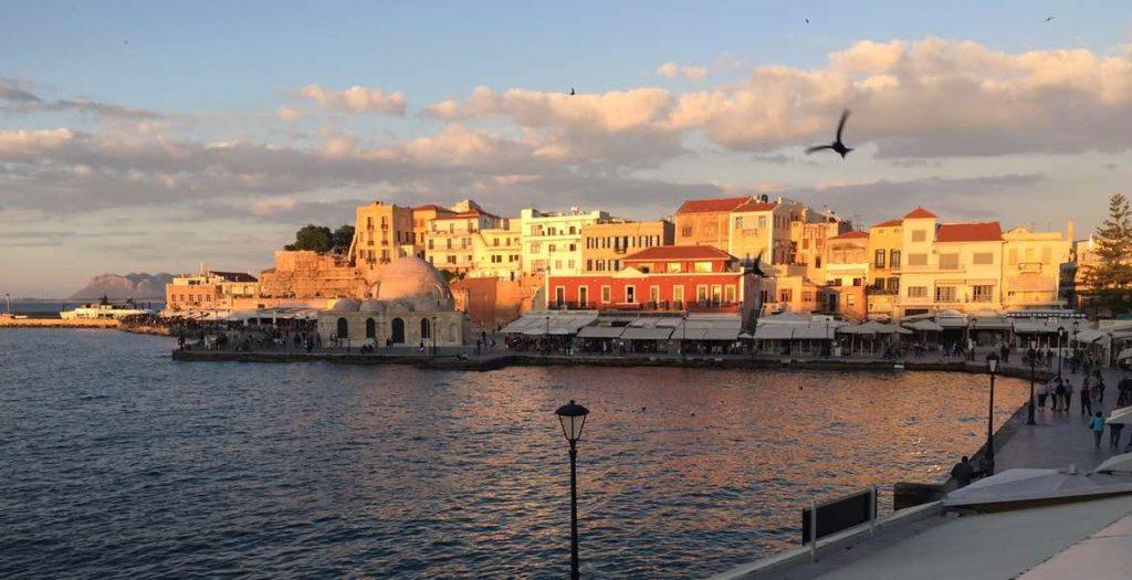 Eine romantische Hafenstadt mitten in Kreta