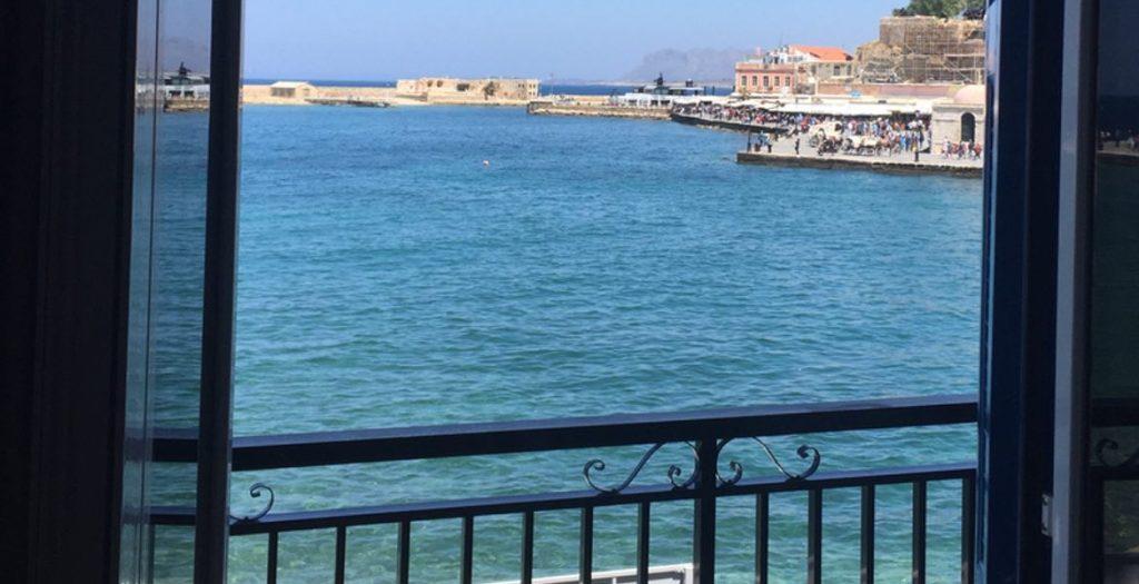 Ein tolles Hotelzimmer mit Blick direkt auf den Hafen